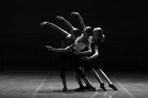 MODERN'JAZZ, STREET DANCE, LUDI-DANSE, DANSE ORIENTALE, DANSE BOLLYWOOD: : Découvrez les activités Danse de l'association Danse et Forme